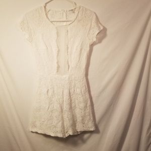 CHARLOTTE RUSSE ROMPER SZ SMALL